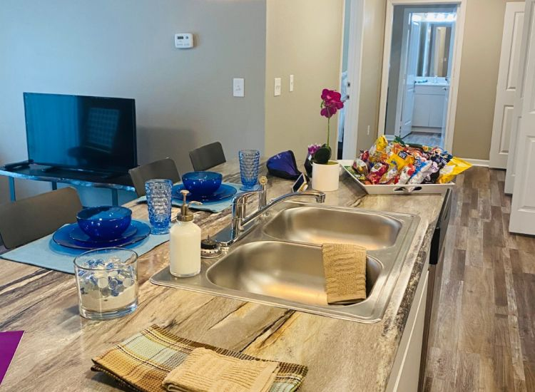 Kitchen and Countertops