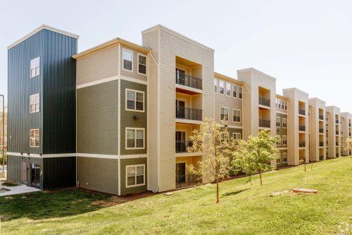 monarch-815---per-bed-leases-johnson-city-tn-building-photo (19).jpg
