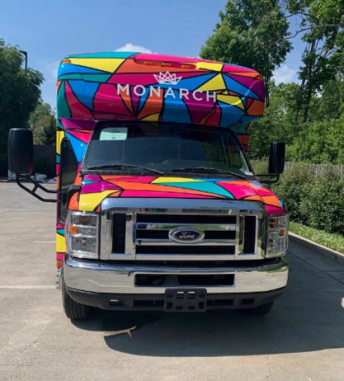 bus monarch 815